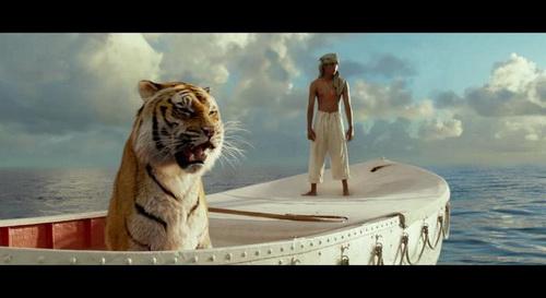conoces la pelicula - la vida de pi - foto de suraj sharma con tigre