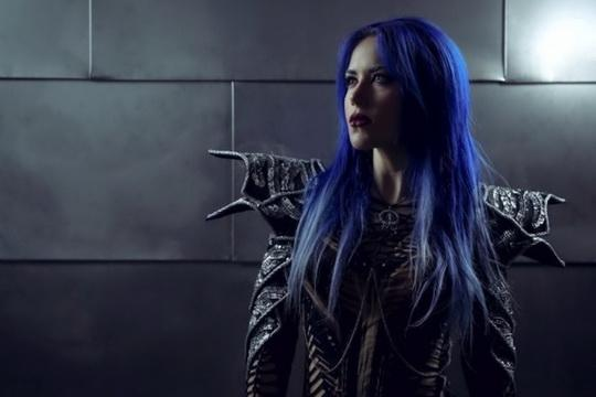 test hard rock and metal frontwomen - arch enemy vocalist