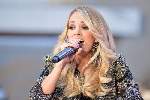 imagen de cantante country carrie underwood en concierto