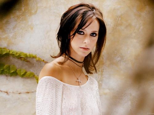 la bella actriz y cantante Jennifer Love Hewitt